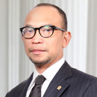Picture of Dr Muhammad Chatib Basri