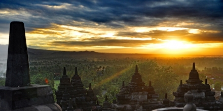 https://pixabay.com/photos/indonesia-java-landscape-borobudur-4134451/